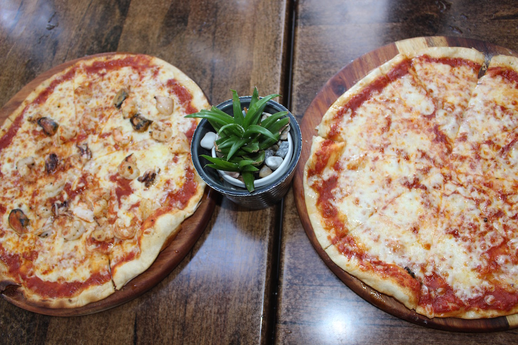 Ray's Kitchen Ballito Restaurant Seafood pizza