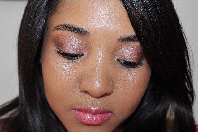 pink make-up look beauty blogger